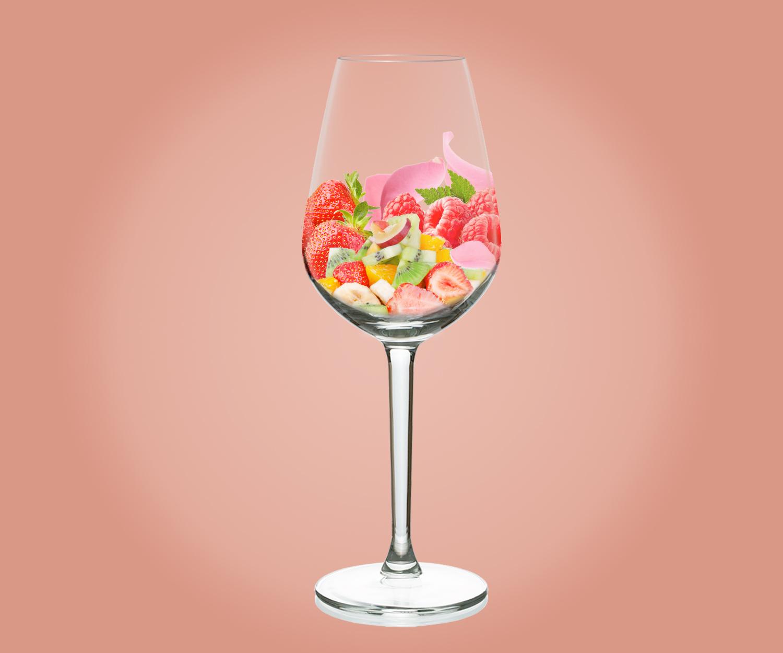 """""""Immagine di un calice di rosato da salasso con aromi di frutti rossi"""""""